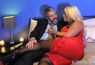 Kinky dude in pantyhose fucks bodacious ungentlemanly Alura Jenson