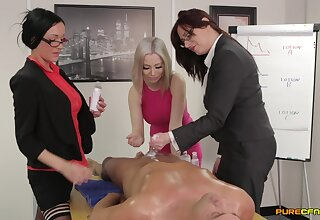 Cross slut Chantelle Sod and her friends use one dick for pastime