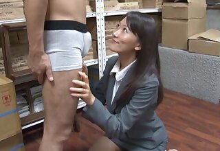 Licentious Japanese uncle Kozue Hirayama drops on her knees to blow