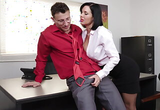 Intelligent milf Veronica Avluv gets fisted and fucked