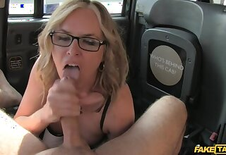 Sexy mature milf seduces driver