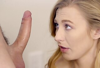Naughty tot Alexa Enhance drops on her knees to make him hard