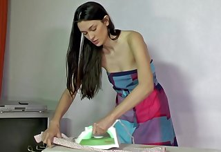 Hairy housewife gets too horny
