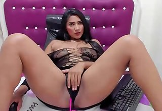 Horny coulumbian slut enjoys her lovense vibrator on cam