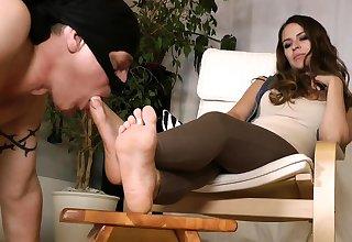 Chinese femdom foot venerate QQ F