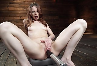 Crave haired tiro Jillian Janson masturbates her pussy with a vibrator