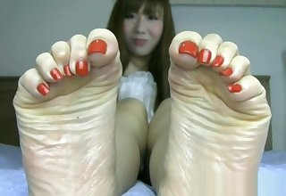 Beautiful Japanese feet not far from throb toes and sexy bunions