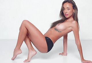Warm nudity and soft solo wits a sexy Asian hon